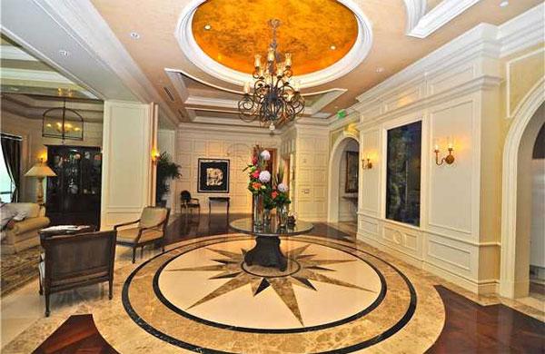 Укладчики плитки в Москве купили себе элитные квартиры в Майами
