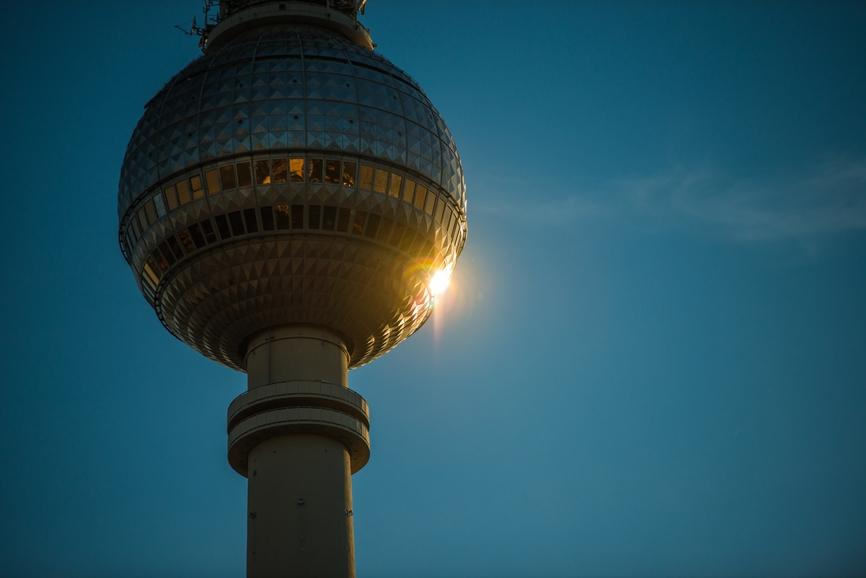 Вращающиеся башни: вокруг света за несколько минут