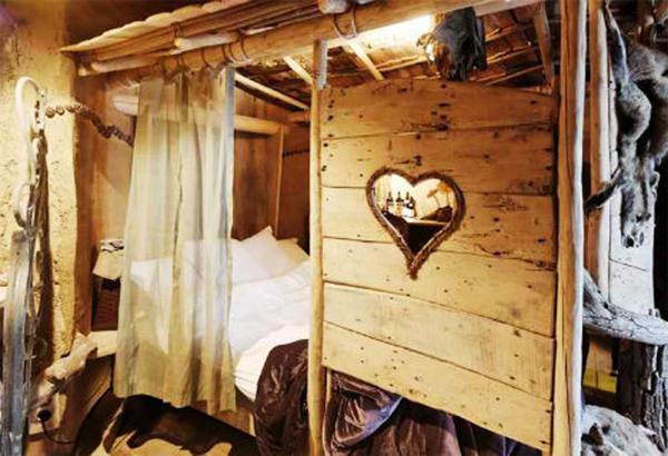 Переночевать в Троянском коне стоит 4,5 тыс. рублей за ночь. Фото