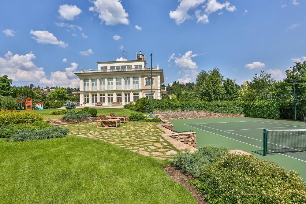 Загородный дом: умный особняк в современном стиле