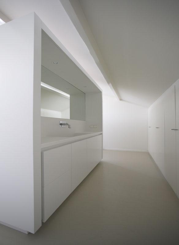 Современный голландский интерьер: минимализм от архитекторов i29