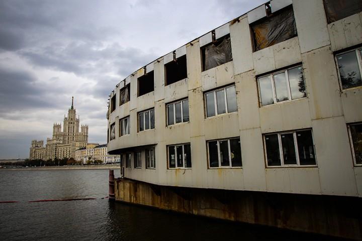 Власти Москвы решили покончить с дебаркадерами на реке