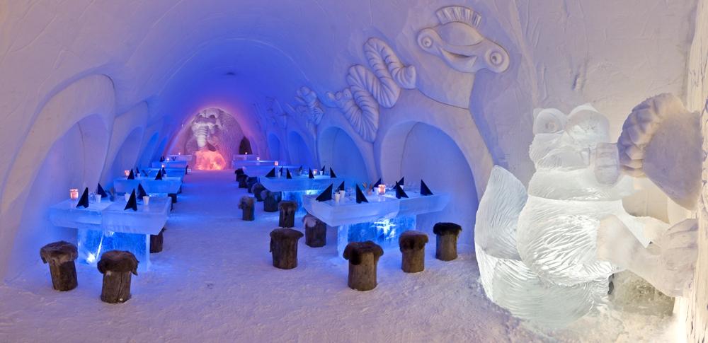 Зимняя архитектура: 7 отелей изо льда и снега