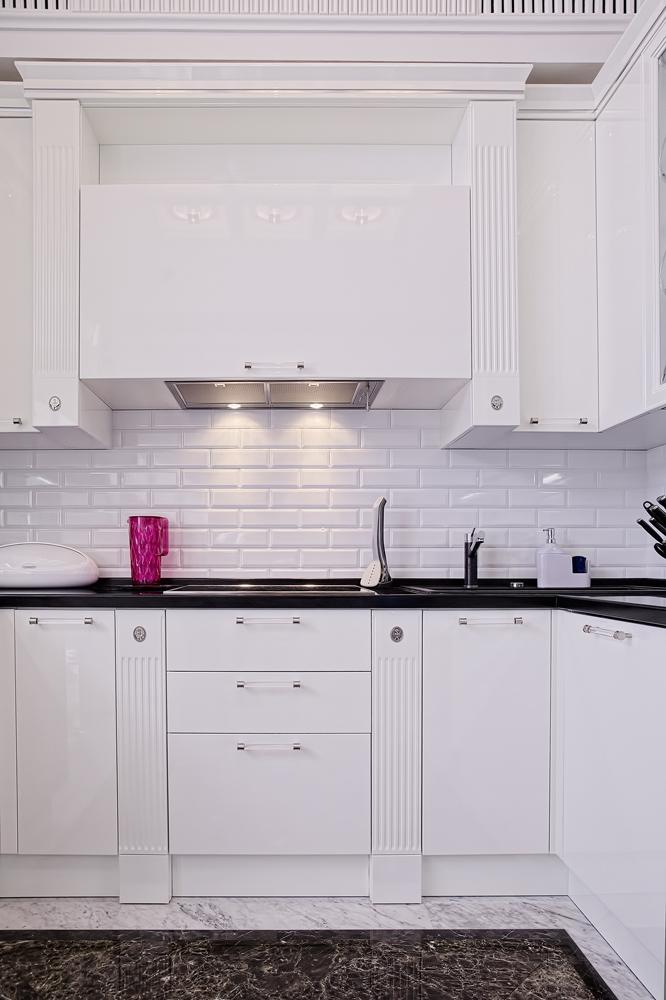 Школа дизайна: 10 вариантов небольших кухонь