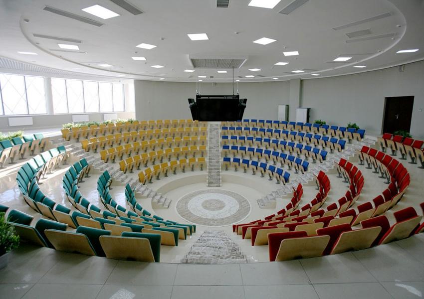 Нефтяная вышка знаний: как выглядят новые школы в бывшем СССР